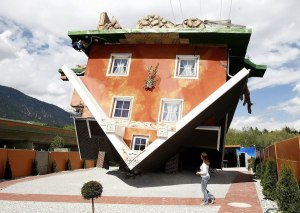 Upside-Down-House-in-Austria8