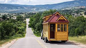 tiny-house-on-road